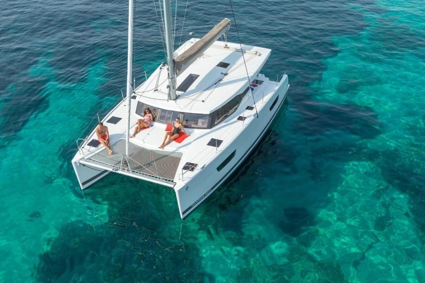 croisiere en catamaran pour un evjf la rochelle