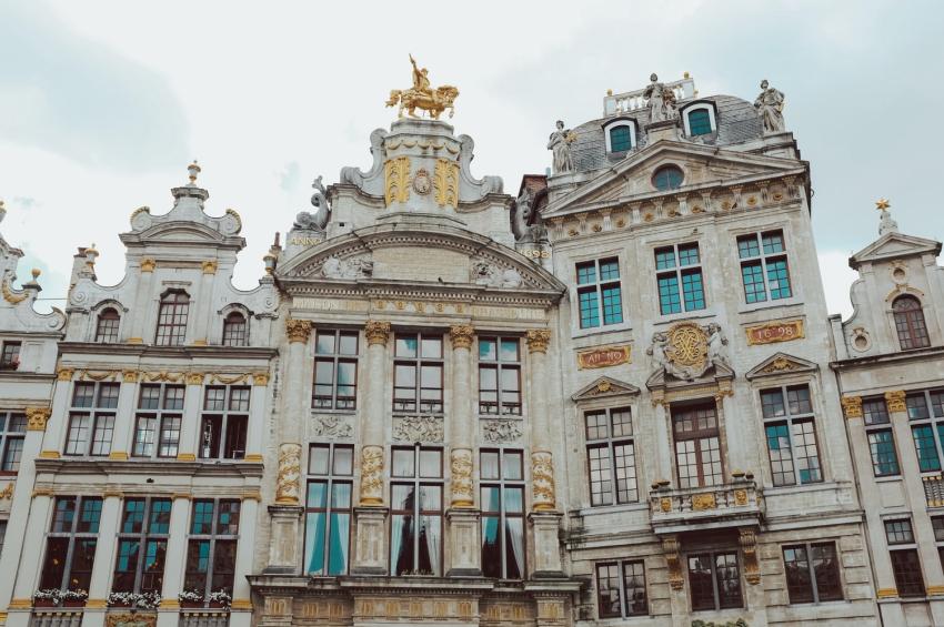 facade de la grande place a bruxelles