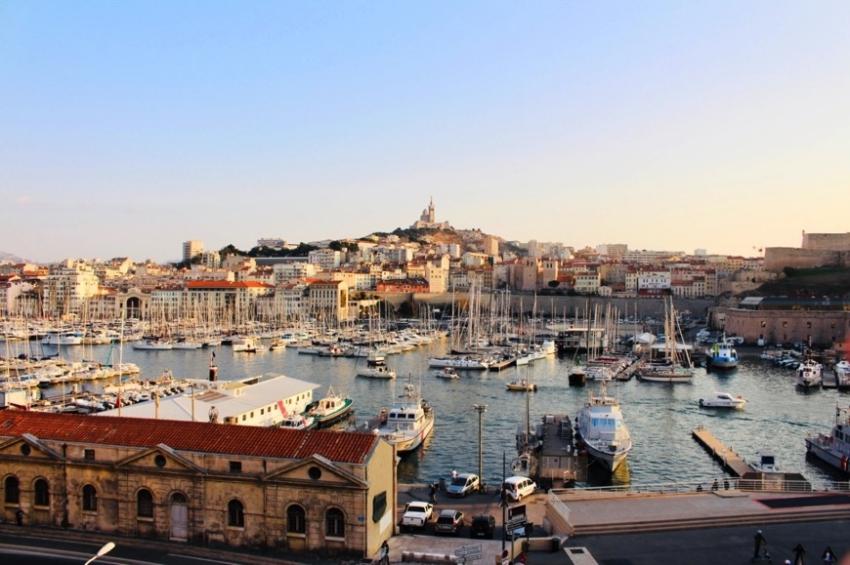 panorama du vieux port de marseille