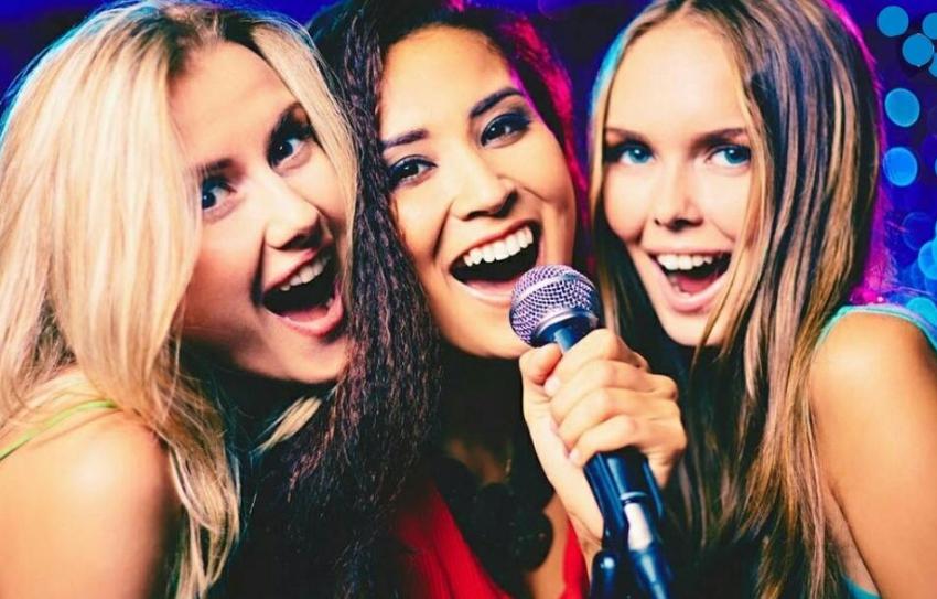 soiree karaoke entre filles evjf paris