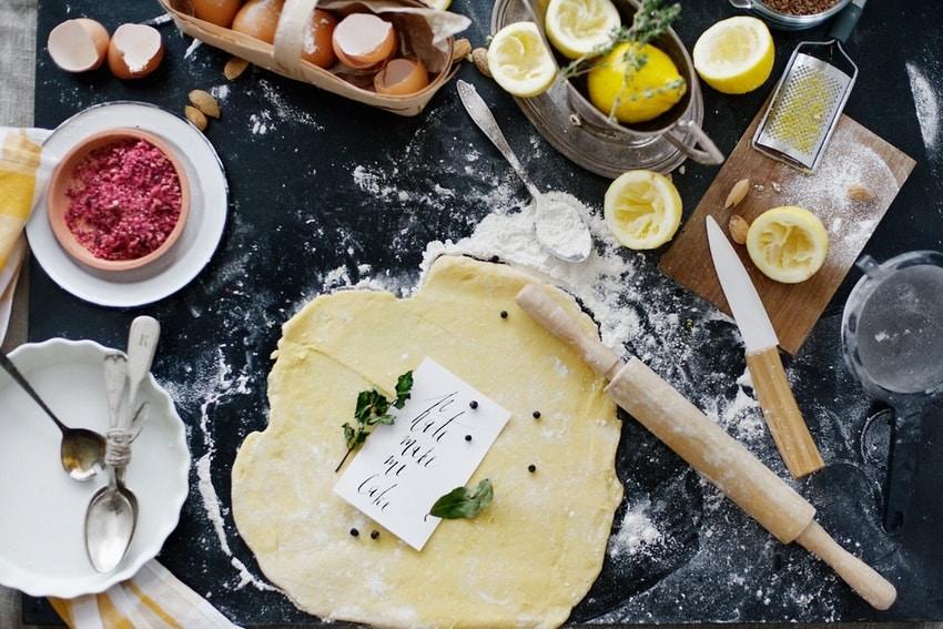 cours de cuisine rouleau a patisserie ustensiles et ingredients