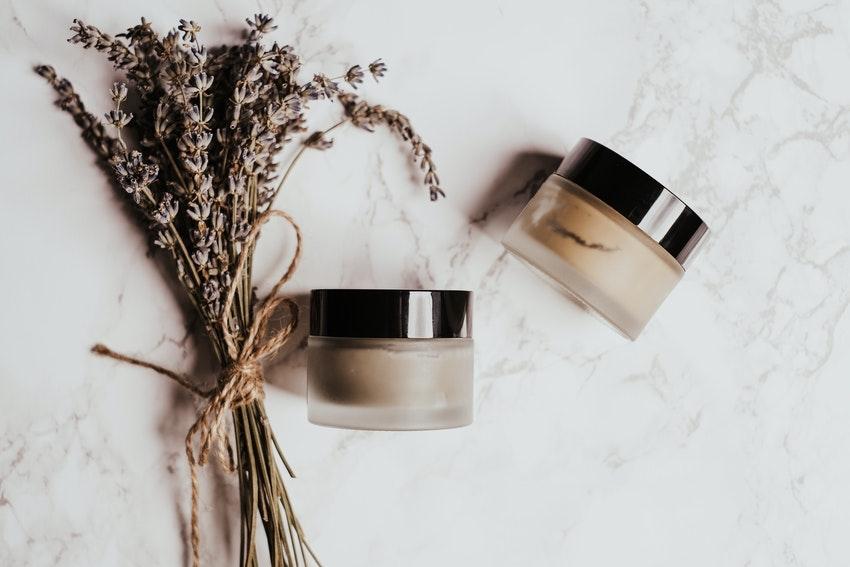 produits cremes cosmetiques bine etre et fleurs sechees
