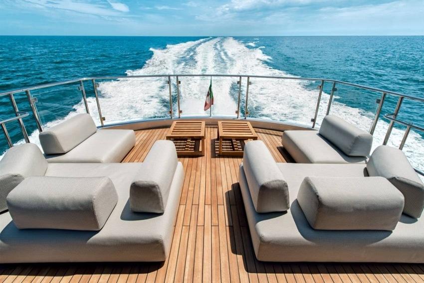 croisiere privatise sur un bateau amenage de luxe