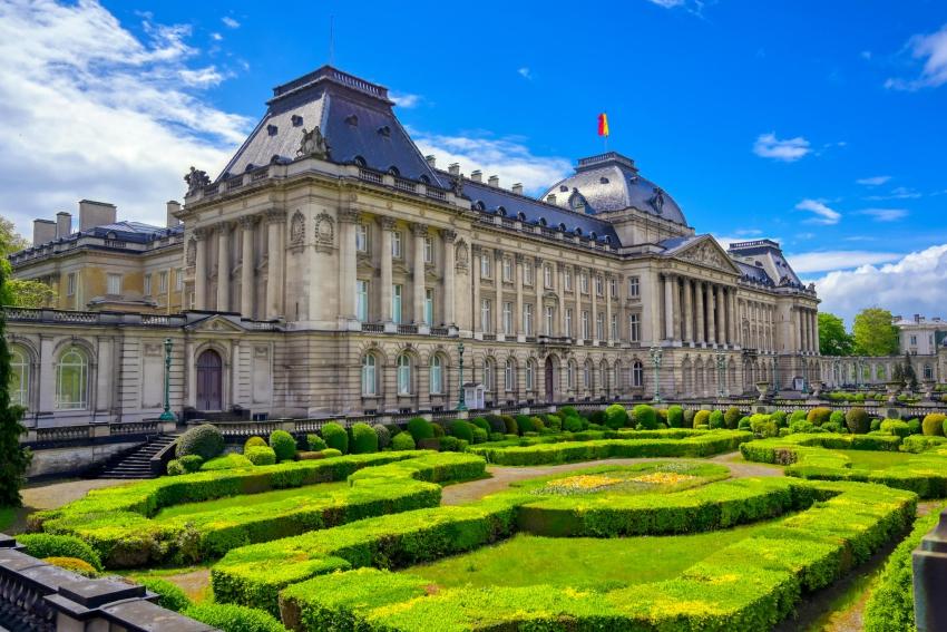 palais royal de bruxelles et son jardin