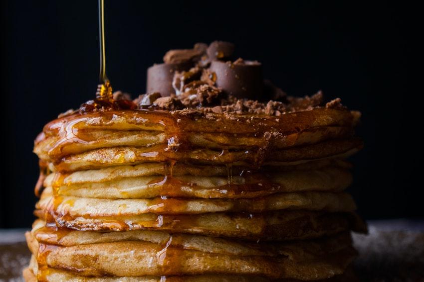 pancakes avec chocolat et sirop derable