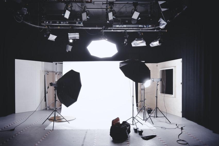 studio de tournage cameras lumieres